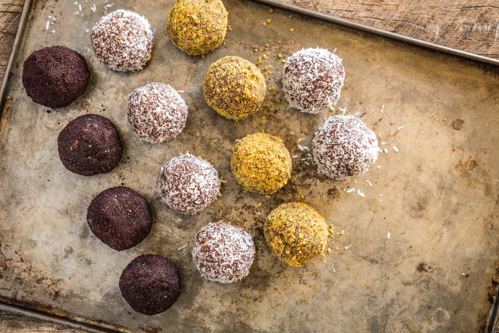 raw cacao protein balls | Nadia Felsch