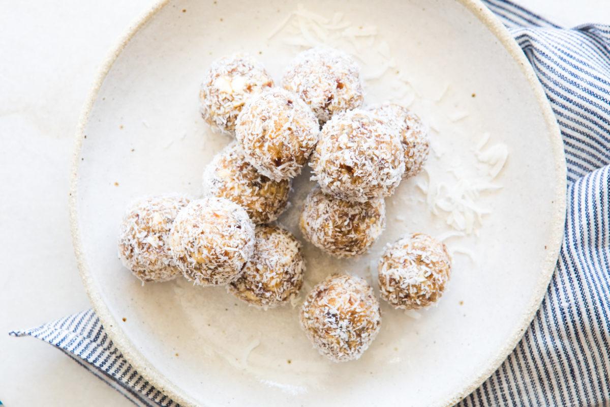 Salted Caramel Protein Balls | Nadia Felsch