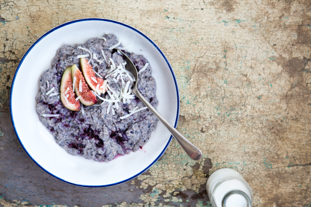 Coconut & Blueberry Chia Pudding | Nadia Felsch