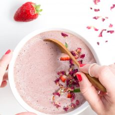 Rose, Chocolate & Berry Smoothie