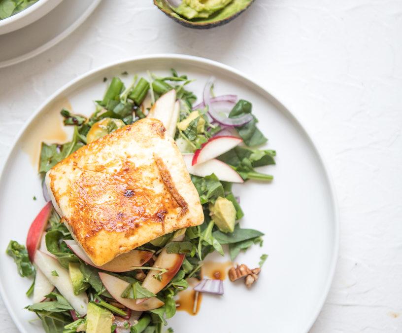 White Nectarine, Pecan & Haloumi salad